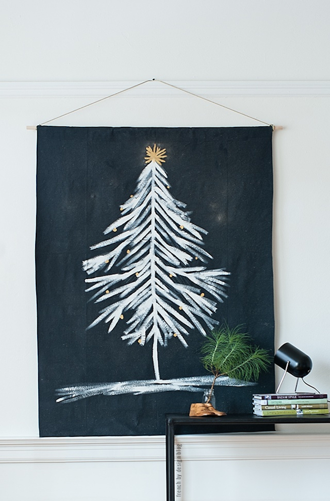 Paint xmas tree onto cloth - Alternative Christmas trees via Arty Home.jpg