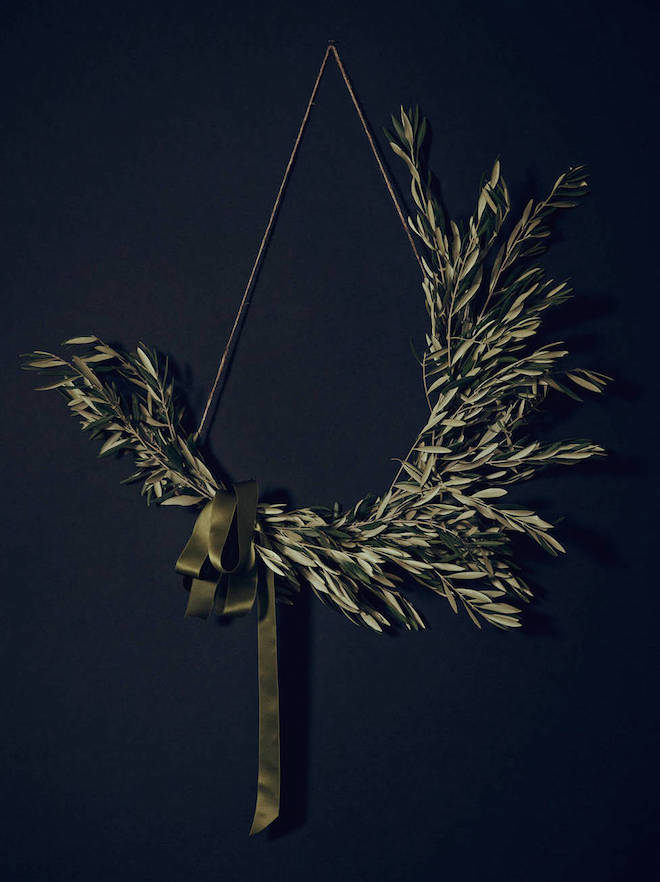 making-a-modern-wreath-by-athena-calderone