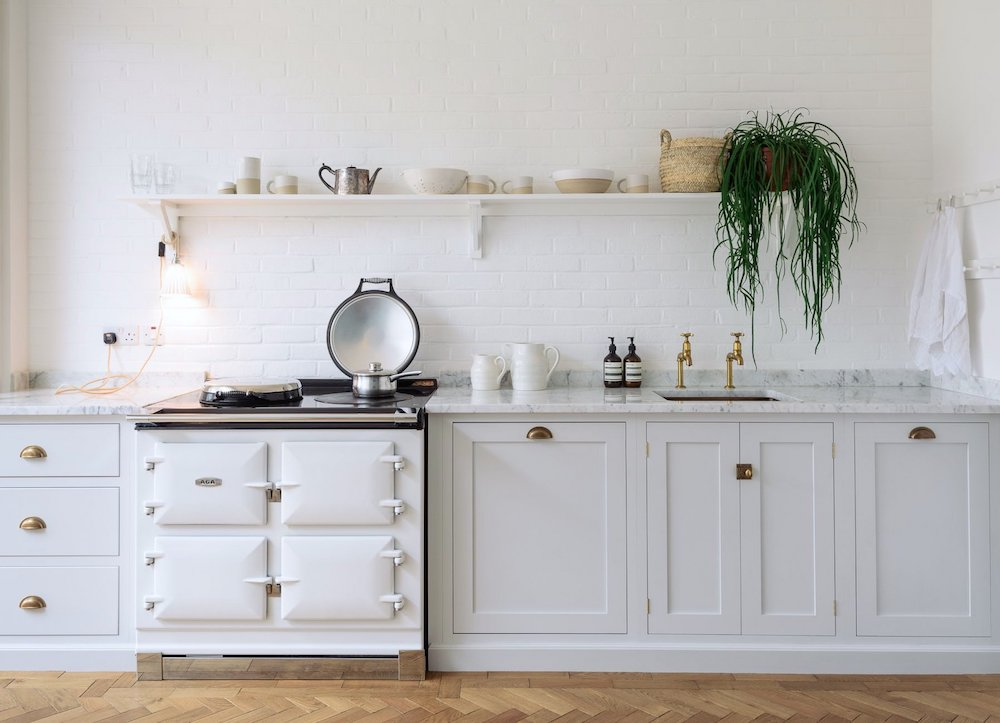 Pale grey shaker kitchen with white Aga - deVOL kitchens