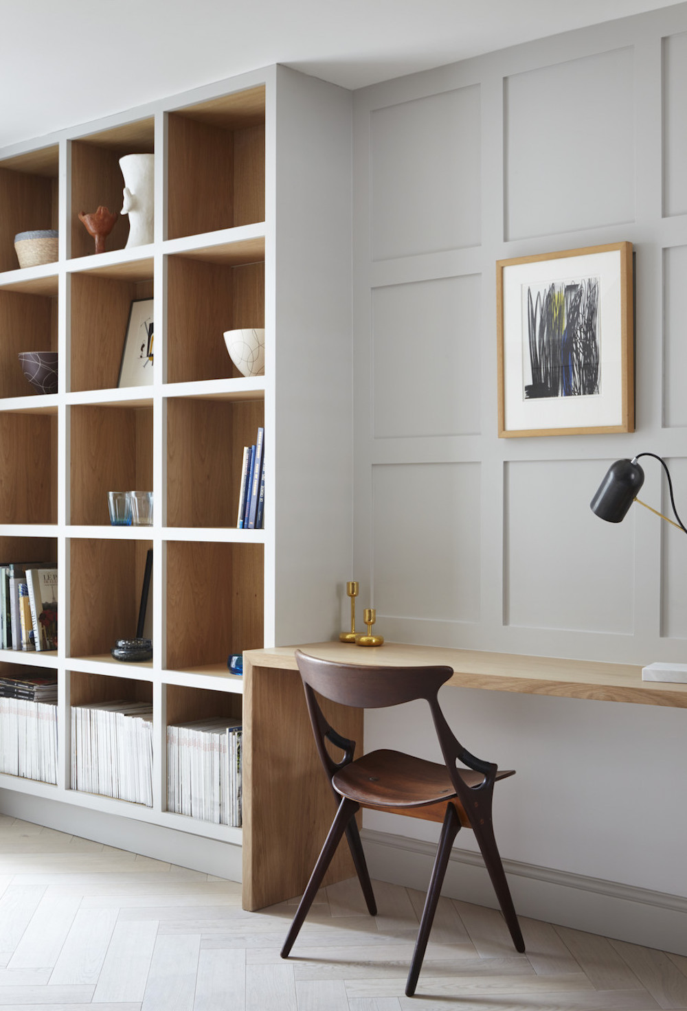 Bespoke fitted workspace || Natural timber in interiors - FIRST SENSE