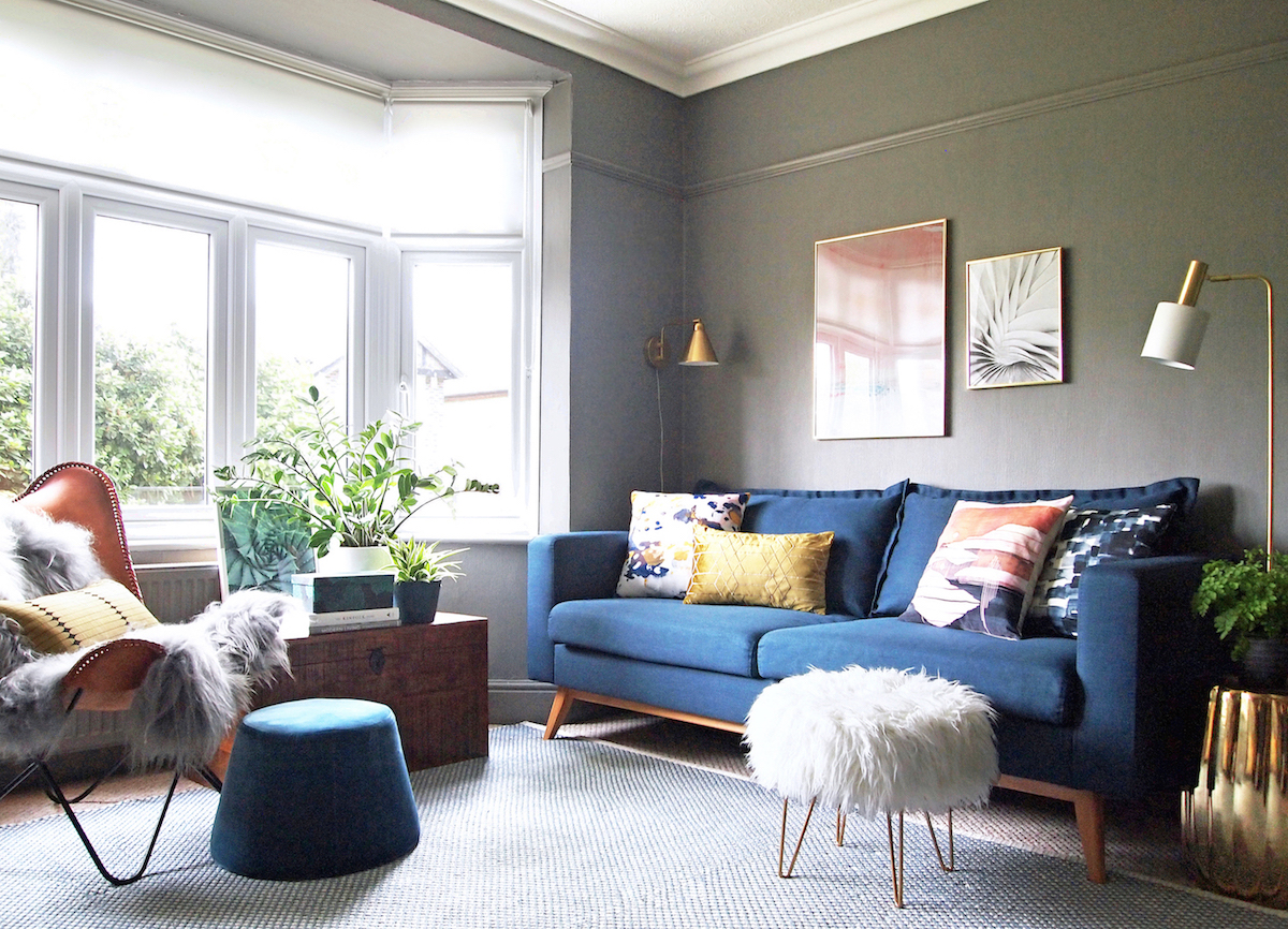 Cosy family living room - FIRST SENSE INTERIORS