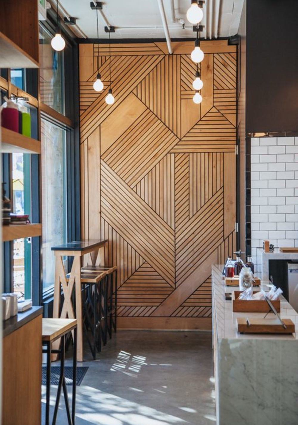 Graphic timber wall || Natural timber in interiors - FIRST SENSE