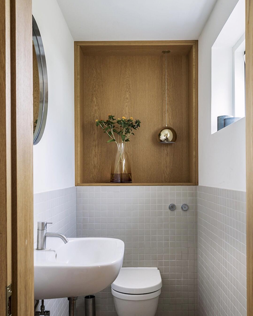 Oak clad nook in bathroom || Natural timber in interiors - FIRST SENSE