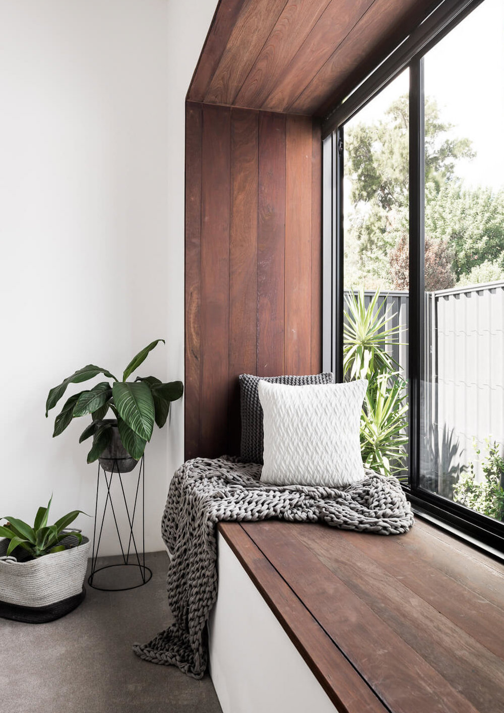 Timber clad window seat || Natural timber in interiors - FIRST SENSE