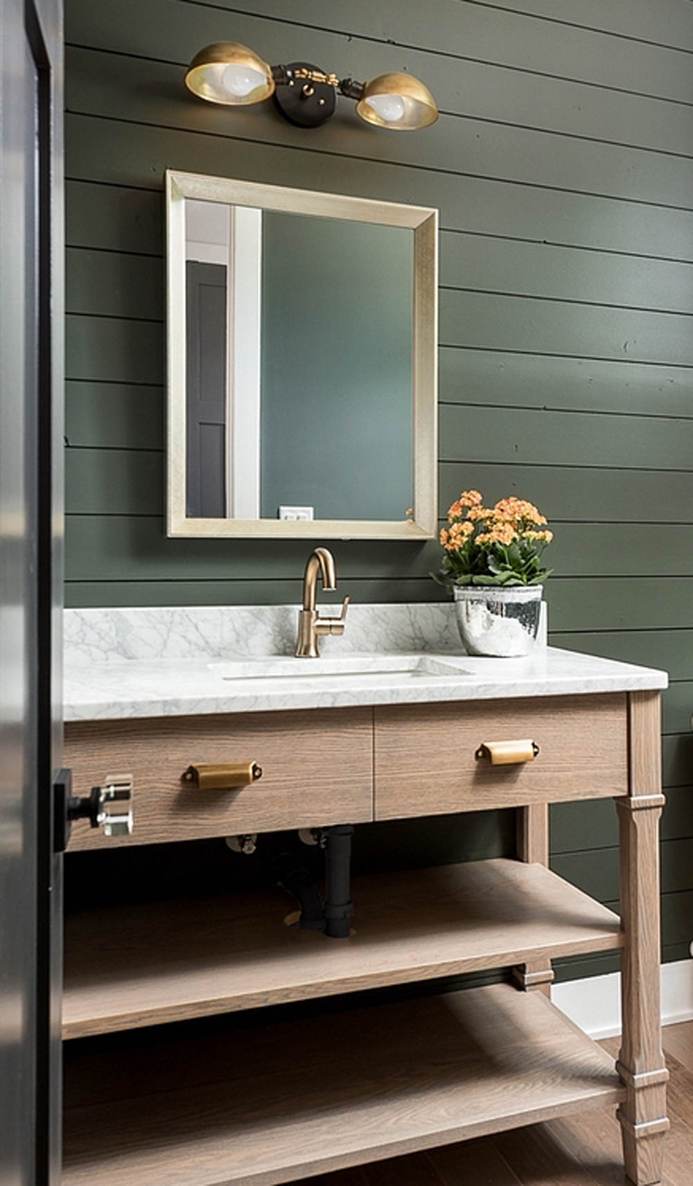 Wooden vanity in bathroom || Natural timber in interiors - FIRST SENSE