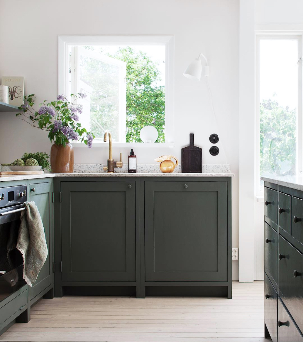 Dark green shaker kitchen || First Sense kitchen renovation inspiration