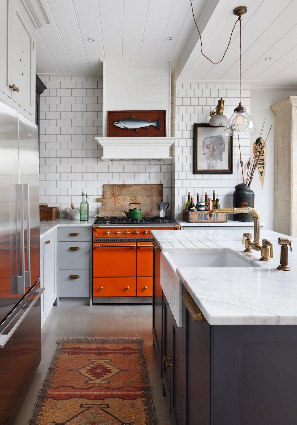 Grey kitchen with orange range cooker || Colour in the kitchen - FIRST SENSE