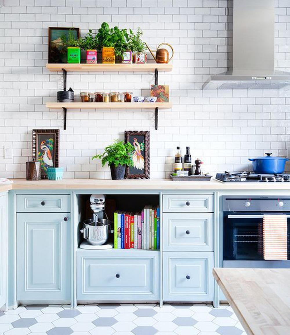 Powder blue Shaker kitchen || Colour in the kitchen - FIRST SENSE