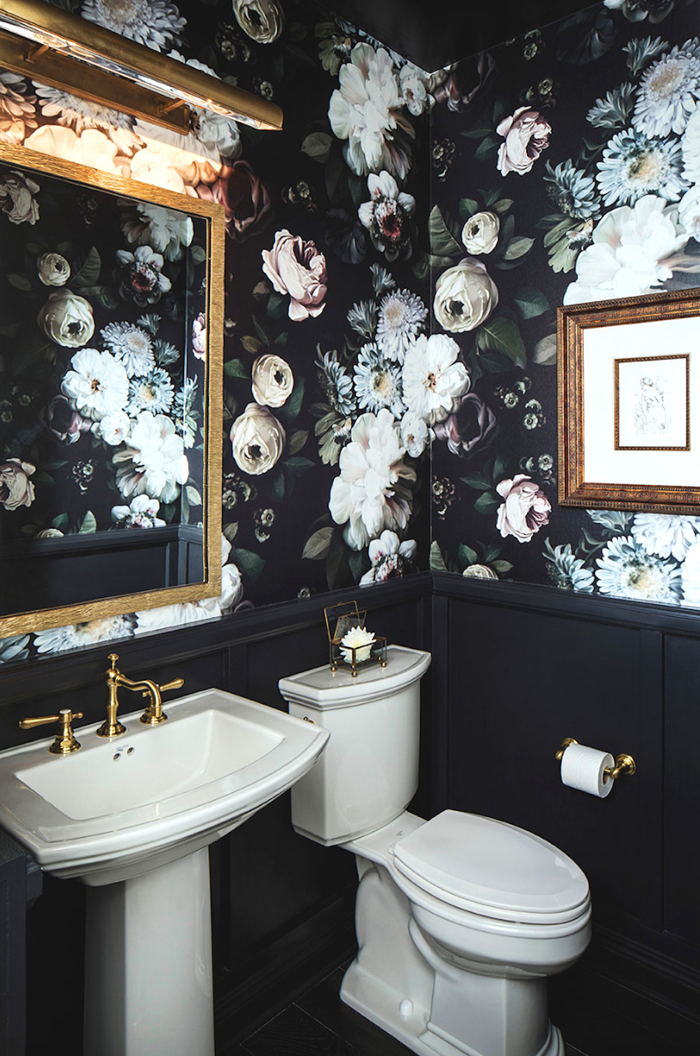 Dark powder room with dramatic Ellie Cashman floral wallpaper - CM Natural Designs || 15 small cloakrooms / powder rooms that are big on style - FIRST SENSE